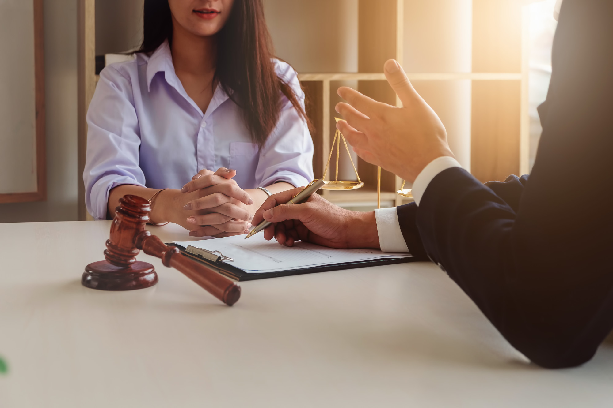 4 Smart Tips for Choosing the Best Legal Service Providers